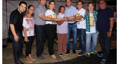 Fotos da entrega dos prêmios da promoção Natal Premiado CDL. O sorteio ocorreu no dia 30/12/2015.